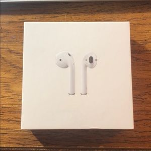AirPods With Charging Case (1st generation)